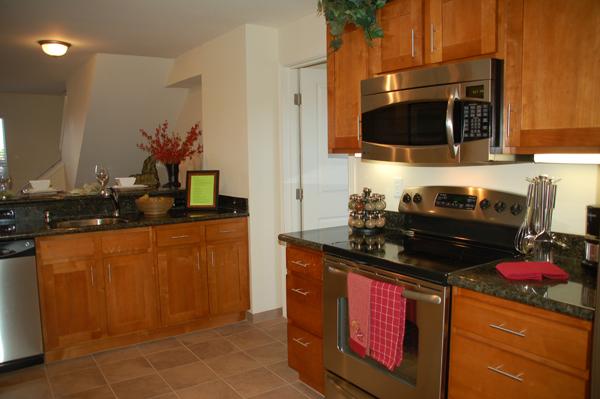 Photo Gallery Spice Maple Cabinets With Ubatuba Granite
